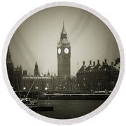 Big Ben On A Wintery Day Round Beach Towel