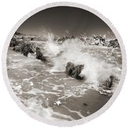 Bolonia Waves Round Beach Towel
