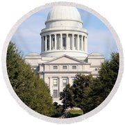 Capitol Building In Little Rock Round Beach Towel