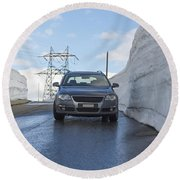Car And Snow Wall Round Beach Towel