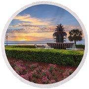 Charleston Sc Waterfront Pineapple Fountain Round Beach Towel