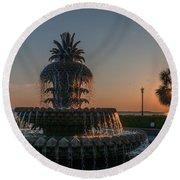 Pineapple Fountain Charleston Sc Sunrise Round Beach Towel