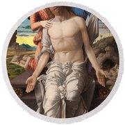 Christ As The Suffering Redeemer  Round Beach Towel