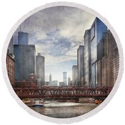 City - Chicago Il - Looking Toward The Future Round Beach Towel