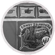 Coney Island Alive In Black And White Round Beach Towel