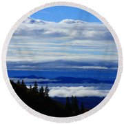Courthouse Valley Sea Of Clouds Round Beach Towel