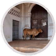 Cow At Church At Colva Round Beach Towel