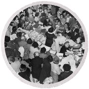 Crowds In Ohrbach's Store Round Beach Towel