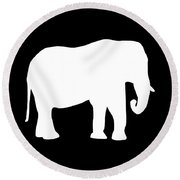 Elephant In Black And White Round Beach Towel