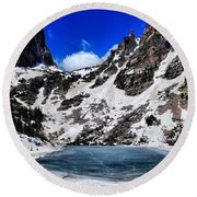 Emerald Lake In Rocky Mountain National Park Round Beach Towel