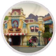 Five And Dime Disneyland Toontown Signage Round Beach Towel
