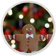Gingerbread Men In A Line Round Beach Towel