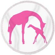 Giraffe In Pink And White Round Beach Towel