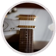 Guitar Glance Round Beach Towel