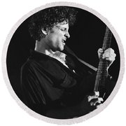Guitarist Lyndsay Buckingham Round Beach Towel