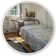 Heritage Cottage Museum On Bowen Island Round Beach Towel