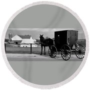 Horse And Buggy And Farm Round Beach Towel