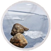 Icy Shore In Winter Round Beach Towel