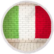 Italy Flag Brick Wall Background Round Beach Towel