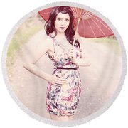 Lady With Red Parasol Round Beach Towel
