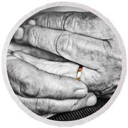 Old Hands With Wedding Band Round Beach Towel