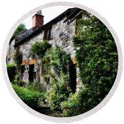 Old Terrace Houses - Peak District - England Round Beach Towel