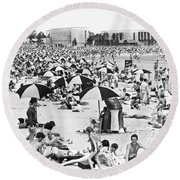 Orchard Beach In The Bronx Round Beach Towel
