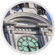 Philadelphia City Hall Clock Round Beach Towel