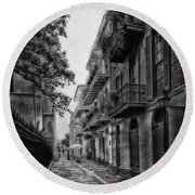 Pirate's Alley In New Orleans Round Beach Towel
