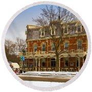 Prince Of Wales Hotel In Niagara On The Lake Round Beach Towel
