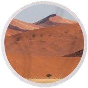 Red Dunes, Sossusvlei, Namib Desert Round Beach Towel
