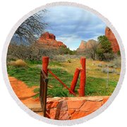 Enter Red Rock Country Round Beach Towel
