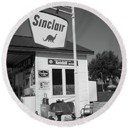 Route 66 - Sinclair Station Round Beach Towel