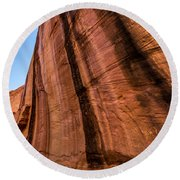 Sandstone Varnish Cliff - Coyote Gulch - Utah Round Beach Towel