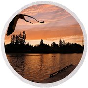 Silver Lake Sunset Round Beach Towel