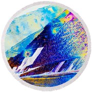 Sodium Thiosulphate Crystals In Polarized Light Round Beach Towel