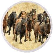 Stampede Of Wild Horses Round Beach Towel