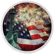 Statue Of Liberty And Fireworks Round Beach Towel