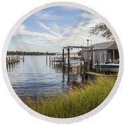 Stoney Creek Marina Round Beach Towel