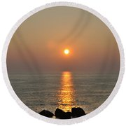 Sunrise On The Ocean Round Beach Towel