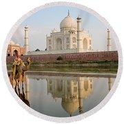 Taj Mahal Round Beach Towel
