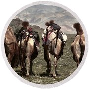 Working Camels Round Beach Towel