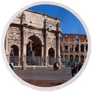 The Arch Of Constantine And Colosseum Round Beach Towel
