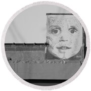 The Face In Black And White Round Beach Towel