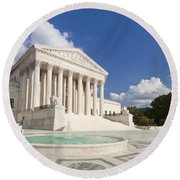 The Us Supreme Court Building Round Beach Towel