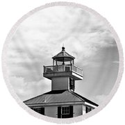 Top Of The New Canal Lighthouse - Bw Round Beach Towel