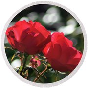 Two Red Roses Round Beach Towel