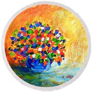 Vase With Flowers Round Beach Towel