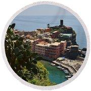 Vernazza - Cinque Terre Round Beach Towel