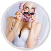 Vintage Blond Beauty In Pinup Fashion Accessories Round Beach Towel